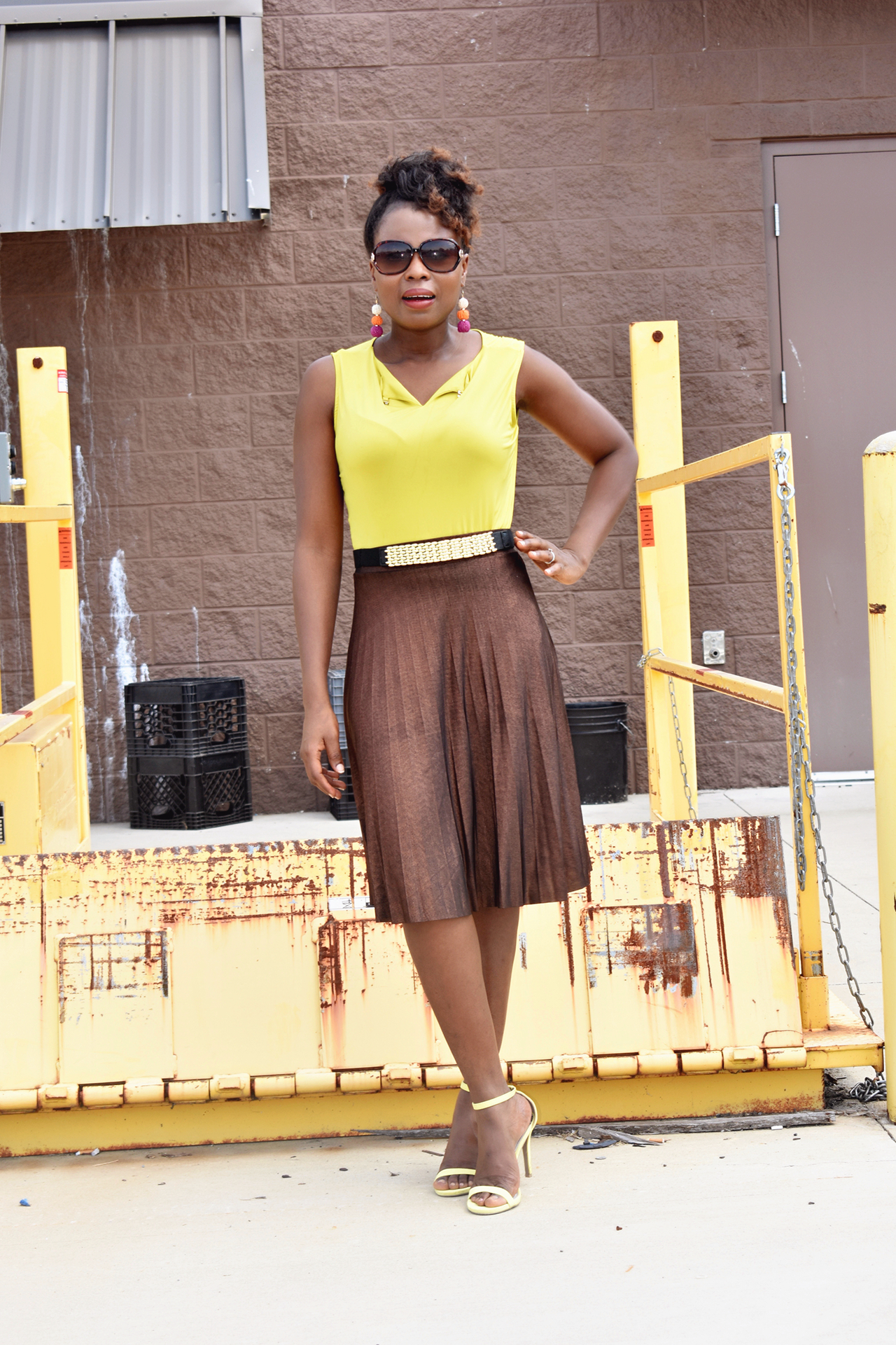 How to styled pleated skirt
