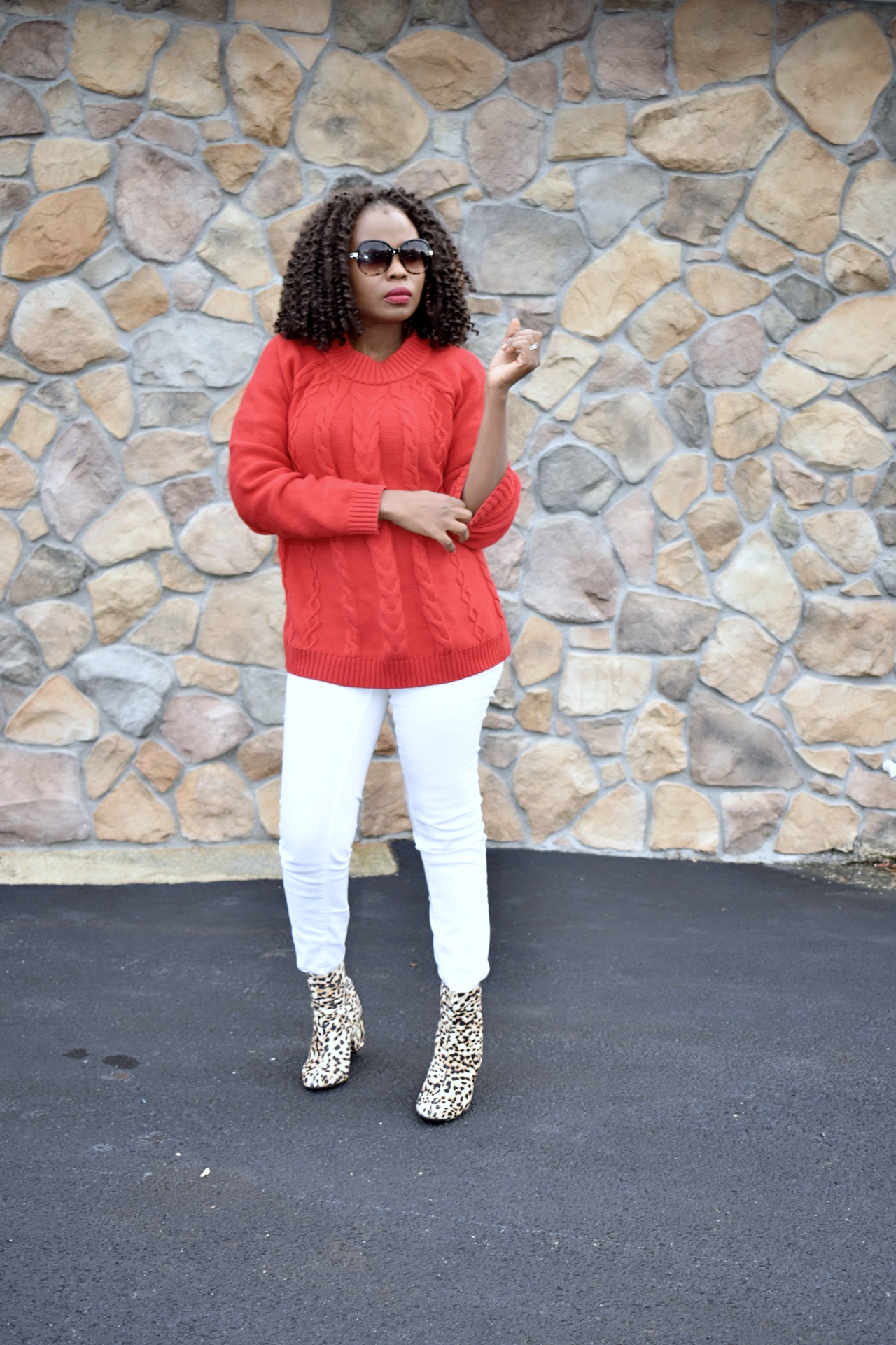 Red, white and leopard outfit. graphic
